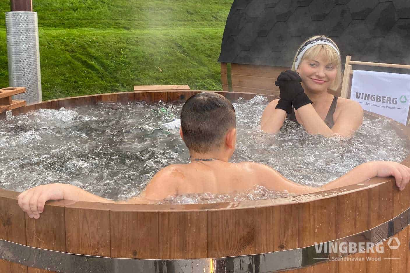 Garden hot tub made from ThermoWood Norra #185