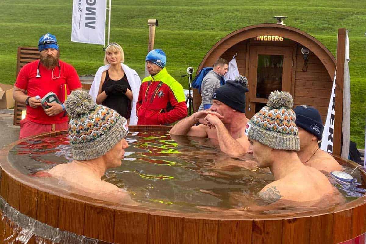 Rekord Guinnessa w Morsowaniu - balie z zimną wodą VINGBERG