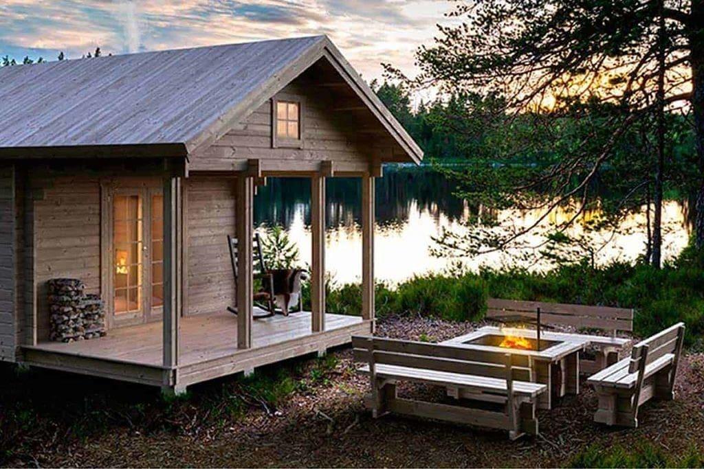 Szwedzki grill ogrodowy - zestaw z ławkami nad jeziorem