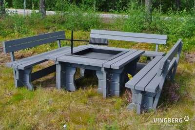 Skandynawski zestaw grillowy z ławkami i paleniskiem