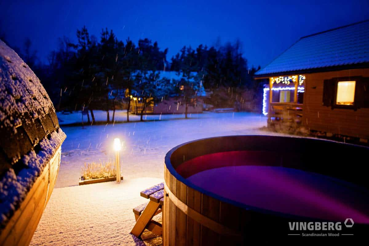 Exclusive hot tub in Winter