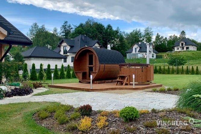 Wellness hot tub and sauna in a garden