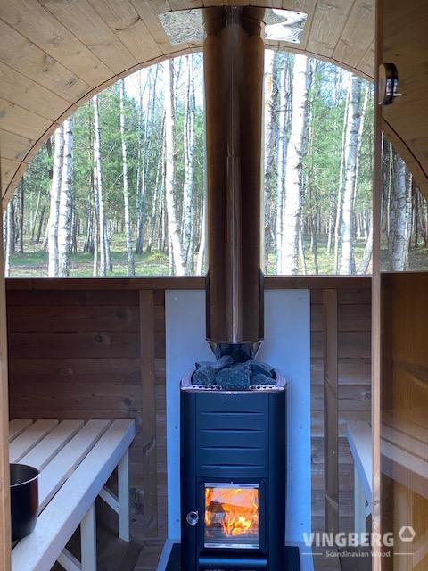 Sauna ogrodowa Akka piec i okno panormaiczne