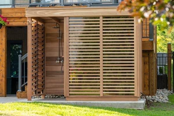 Cedrowa sauna zewnętrzna do ogrodu