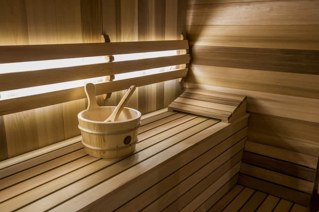 Ławeczki w saunie cedrowej Luna