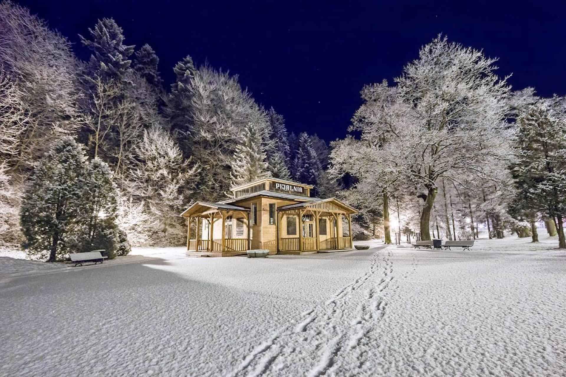 Zimowy Krajobraz uzdrowiska trasa Łemkowyna Ultra Trail