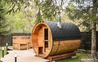 Zestaw Akka Comfort ThermoWood®: Sauna Akka #280, balia Norra #185, drewniany podest z oświetleniem