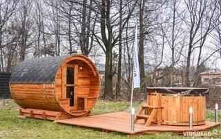 Zestaw Akka Comfort ThermoWood®, sauna Akka #280, balia Norra #185, taras z oświetleniem
