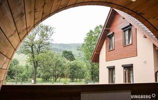 Sauna ogrodowa z przestronnym oknem