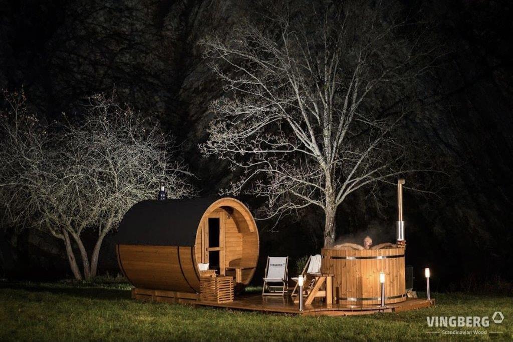 Sauna beczka i balia zewnętrzna w zestawie z tareasem