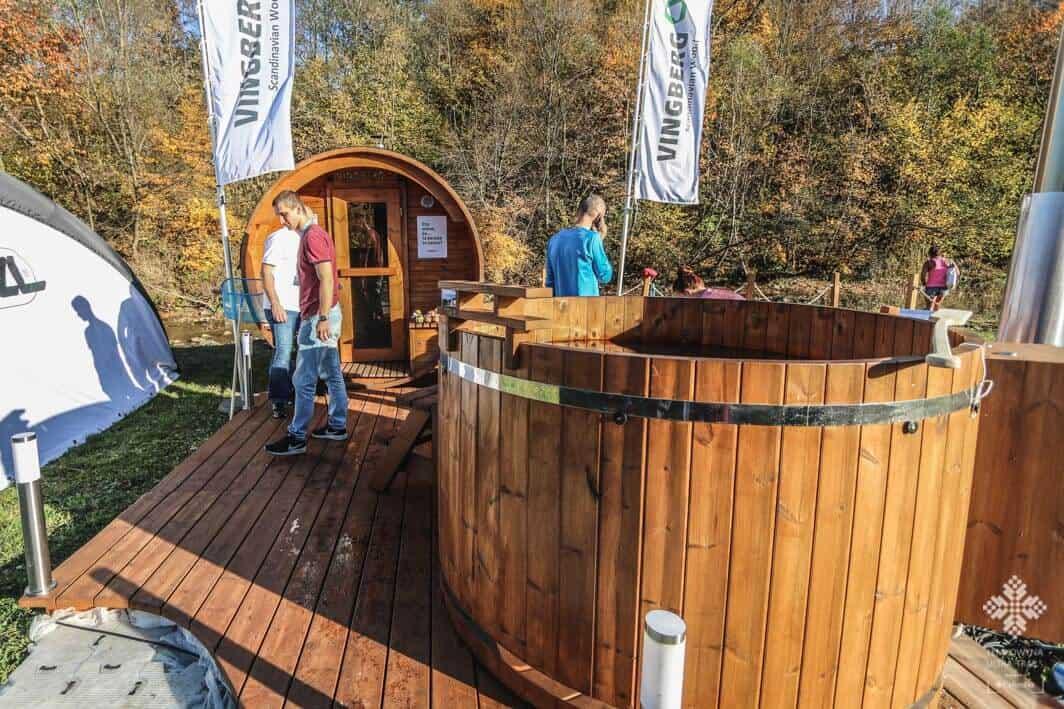 Ekspozycja sauny i balii na zawodach Łemkowyna