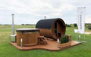 Zestaw ogrodowy Akka Comfort (drewniana sauna i balia) na polu golfowym Krakow Valley Golf & Country Club
