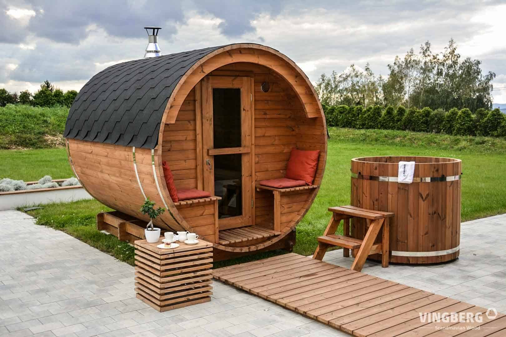 Barrel sauna and hot tub made from ThermoWood